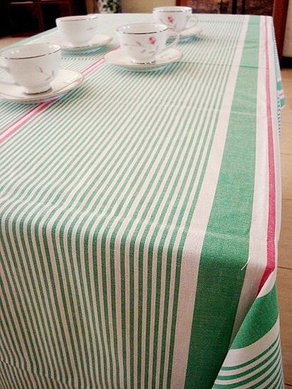 Roundup: Sunny, Summer Tablecloths