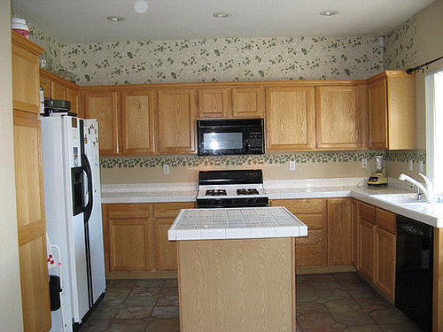 Before and After: So Long, Dated Wallpaper