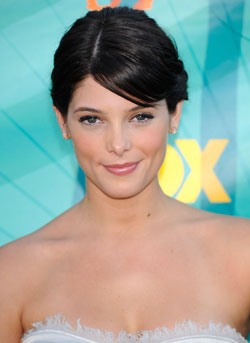Sugar Bits — Twilight Star Ashley Greene Threatens To Sue Over Nude Photos