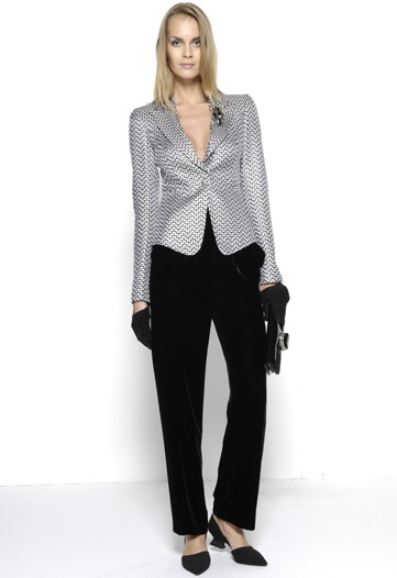 Giorgio Armani Focuses on Ladylike Tailoring for Pre-Fall 2010