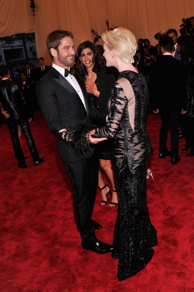 Gerard Butler stopped to chat with Anne Hathaway.