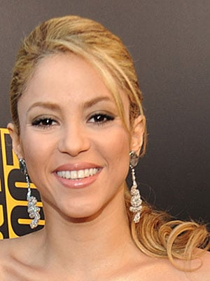 Photos of Shakira at the 2009 American Music Awards