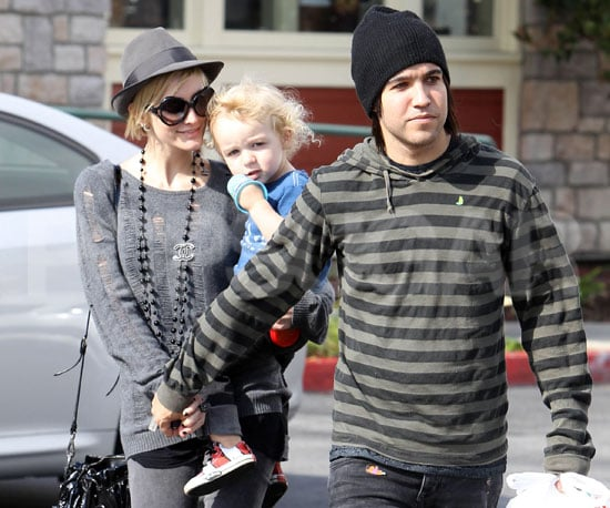 Picture Slide of Ashlee Simpson and Pete Wentz in LA