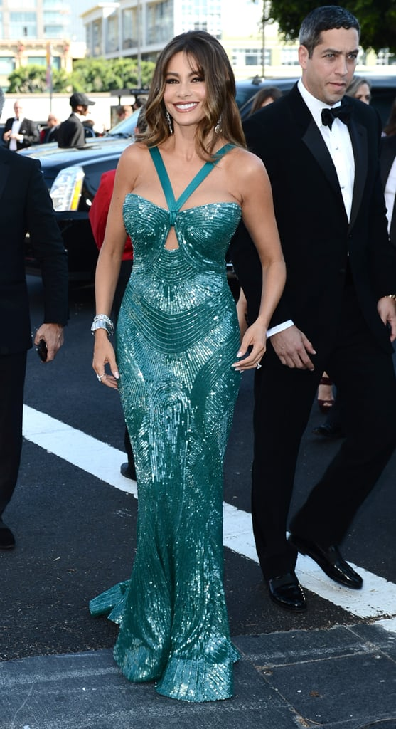 Sofia Vergara Sparkles and Shows Off Engagement Ring at Emmys