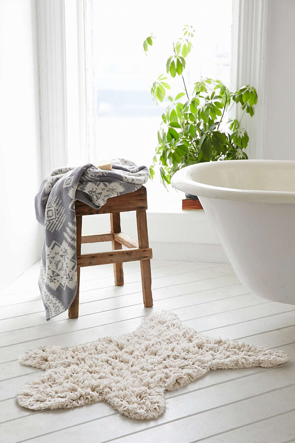 Bathroom: Switch Up Your Bath Mat
