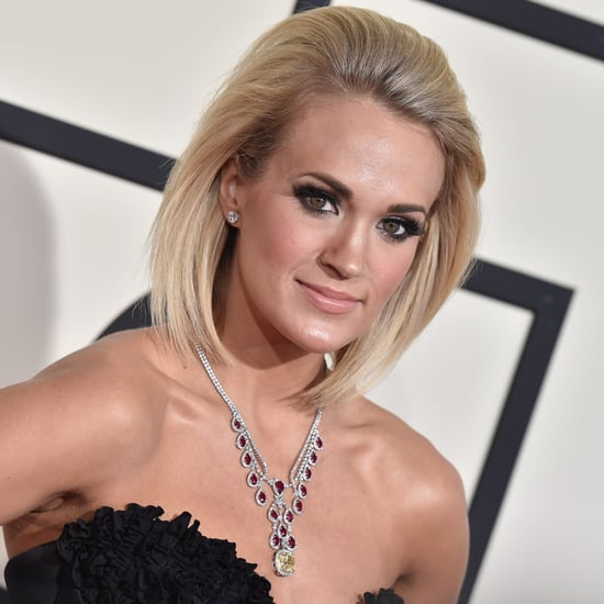 """Carrie Underwood Sings """"I Will Always Love You"""" Video 2016"""