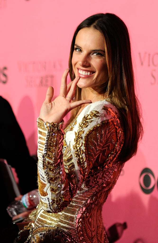 Alessandra Ambrosio waved on the pink carpet.