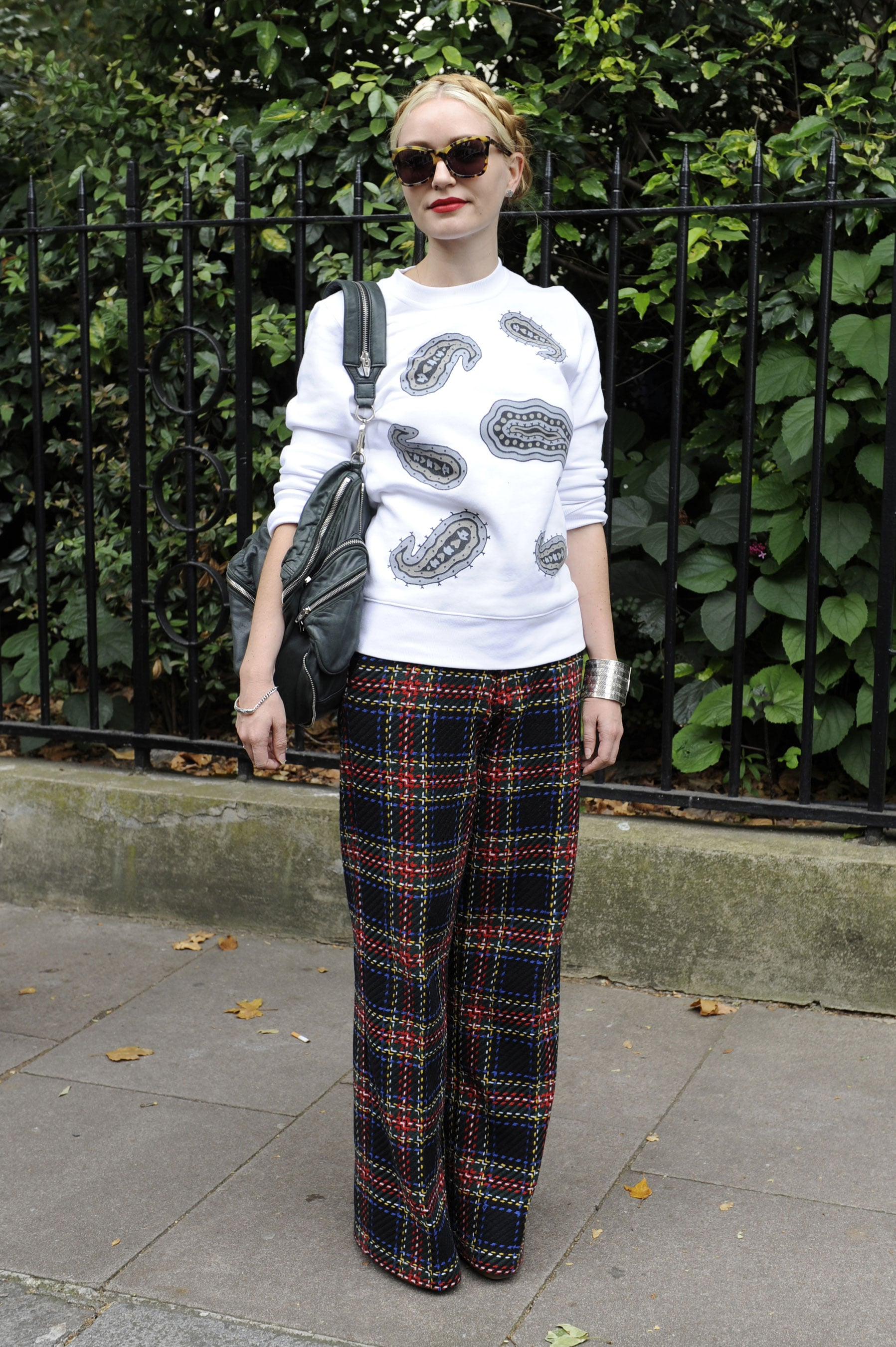 London Fashion Week Your Street Style Field Guide From Nyc To Paris Popsugar Fashion