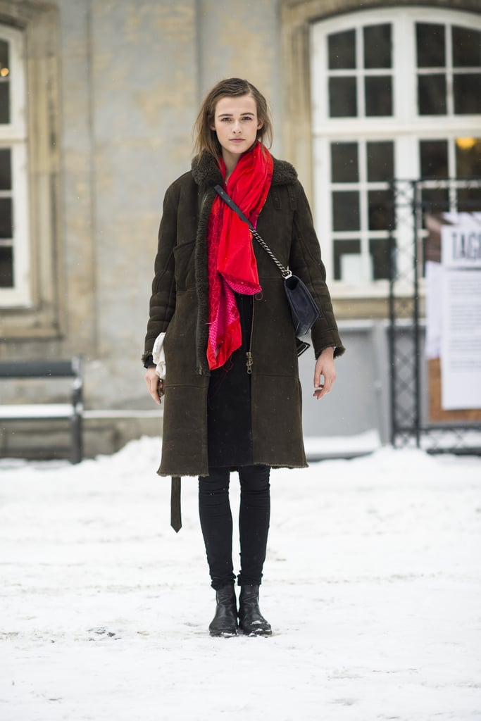Don't let the Winter shut out your style. Add personality with a scarf — that's easy, right? Source: Le 21ème | Adam Katz Sinding