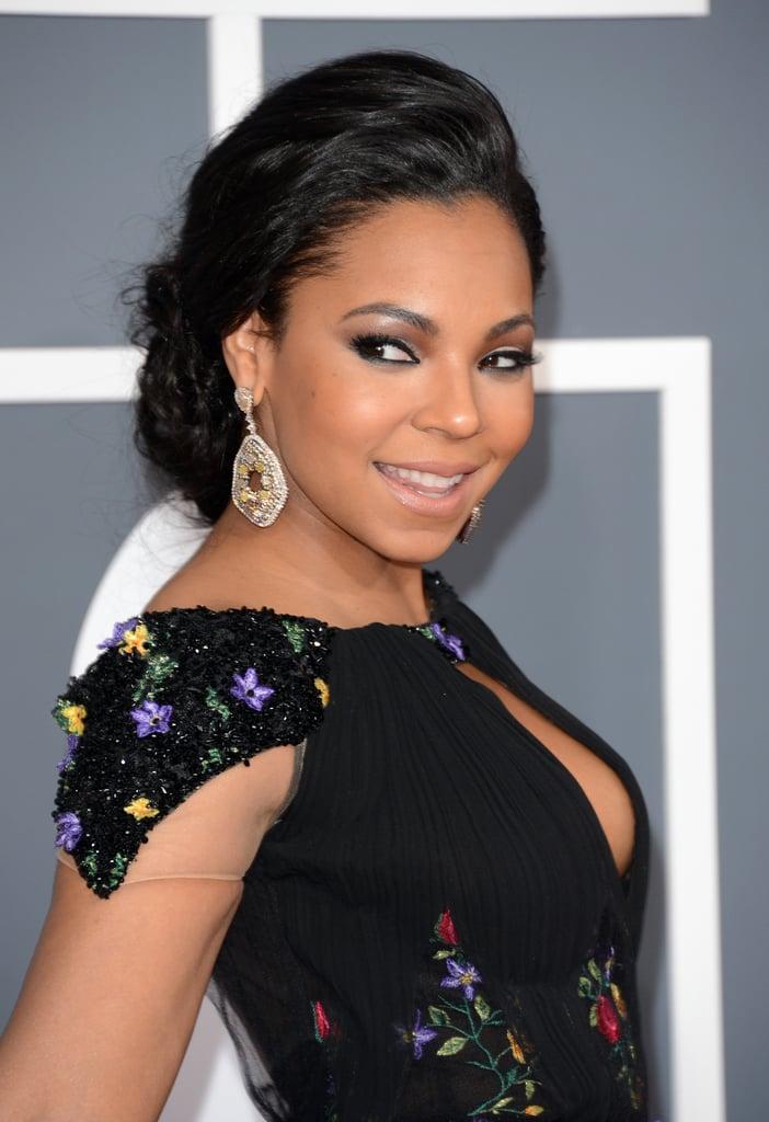 Ashanti smiled on the Grammys red carpet.