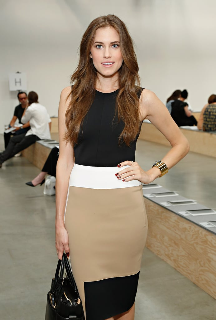 Allison Williams rocked a colorblock dress at the Reed Krakoff show on Wednesday.
