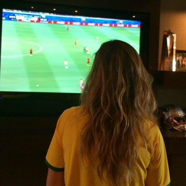 Gisele Bündchen was dressed in Team Brazil's official colors while watching the match. Source: Instagram user giseleofficial