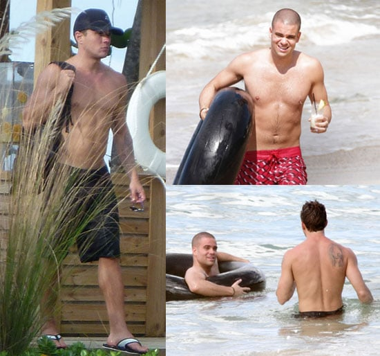 Shirtless Ryan Phillippe and Shirtless Mark Salling Pictures in Puerto Rico 2010-09-07 05:00:00