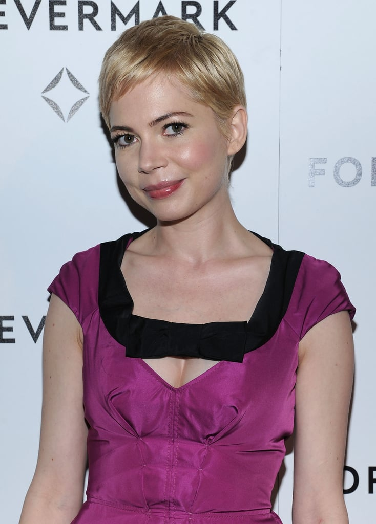 Michelle Williams Gets an Early Honor in the Company of Her Girlfriends