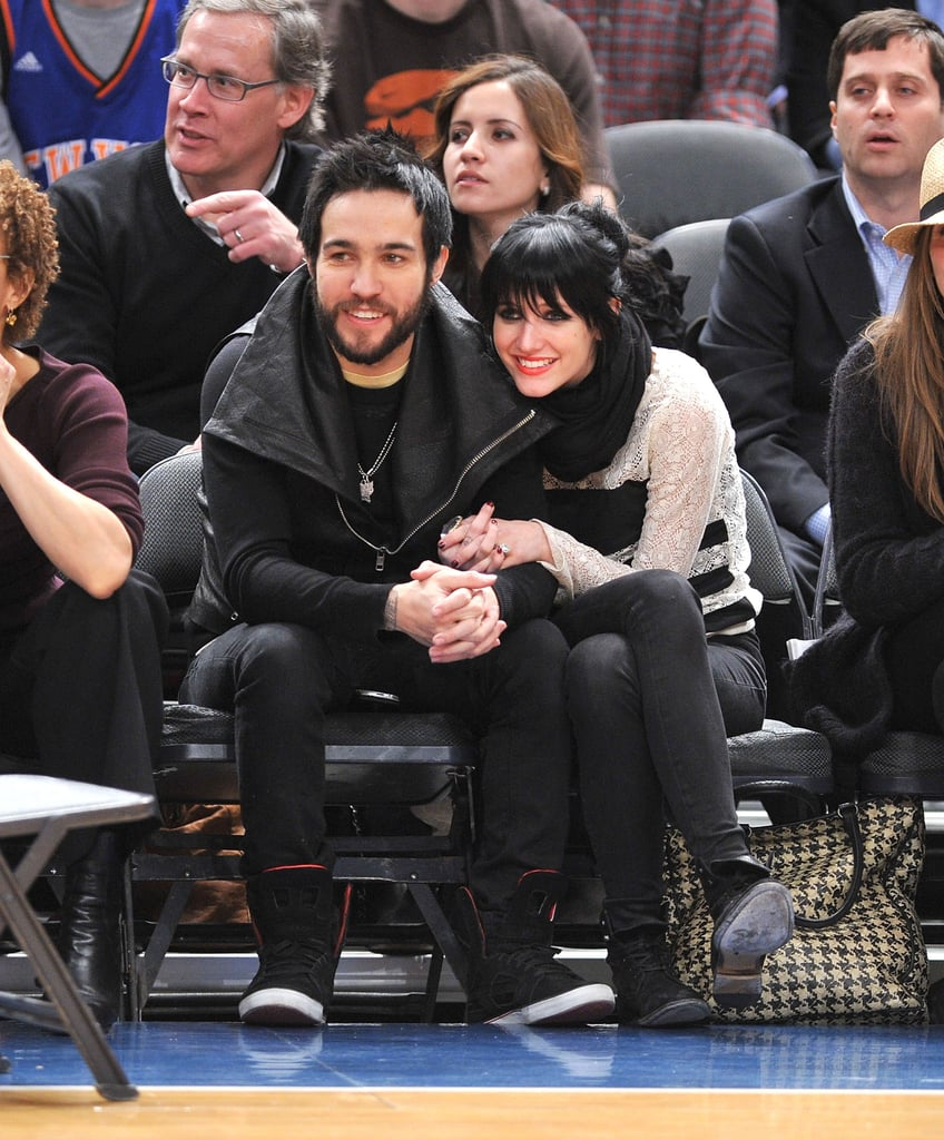 Then-couple Pete Wentz and Ashlee Simpson showed PDA at a NY Knicks game in February 2010.