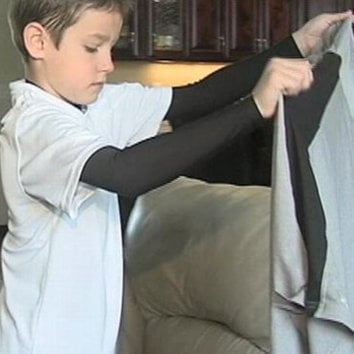 Airlines Finds Boy's Treasured T-Shirt