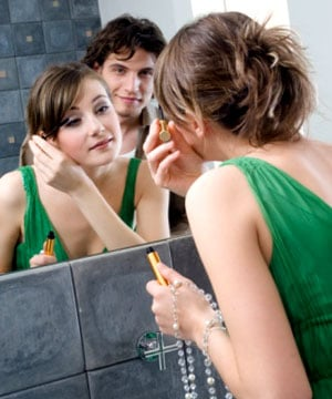 Does Your Relationship Affect Your Beauty Choices?