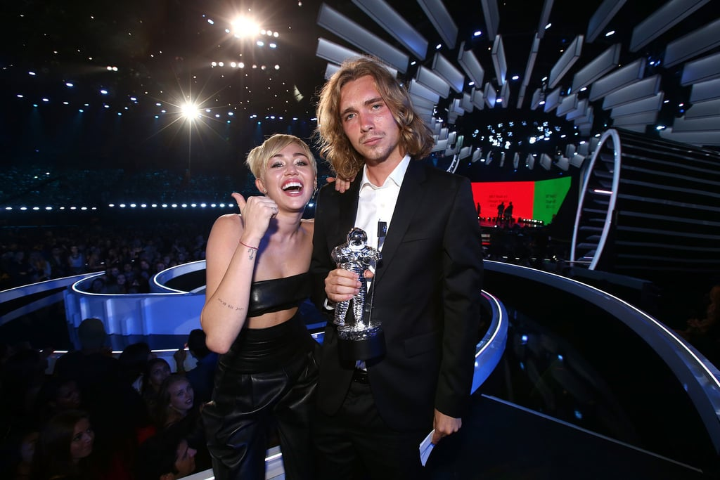 Miley Cyrus Had a Former Homeless Man Accept Her Award