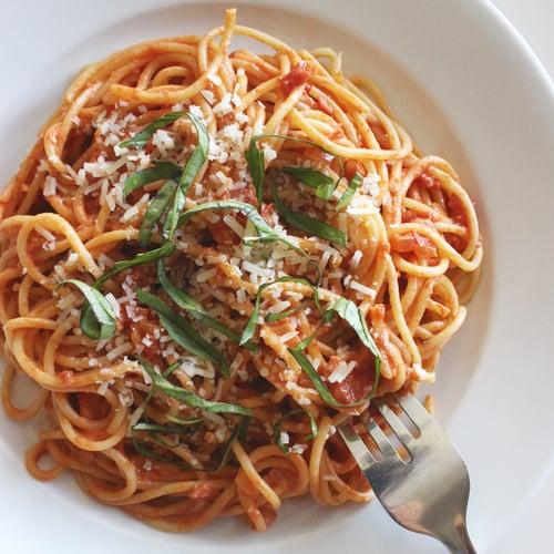 Spaghetti With Greek-Yogurt Tomato Sauce
