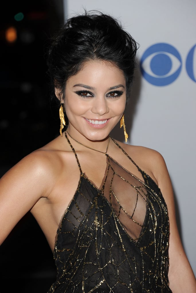 Vanessa Hudgens had dangling earrings on the red carpet.