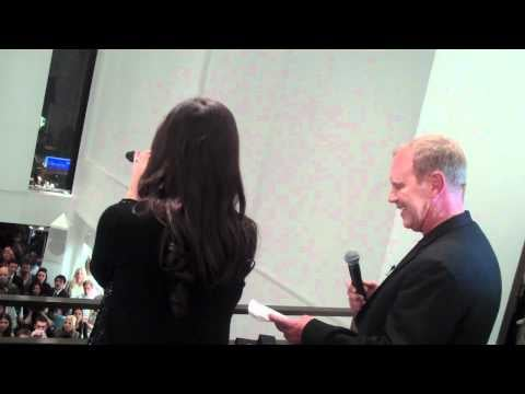 Michael Kors and Idina Menzel Fashion's Night Out Singing