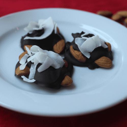 Paleo Dark Chocolate Nut Clusters