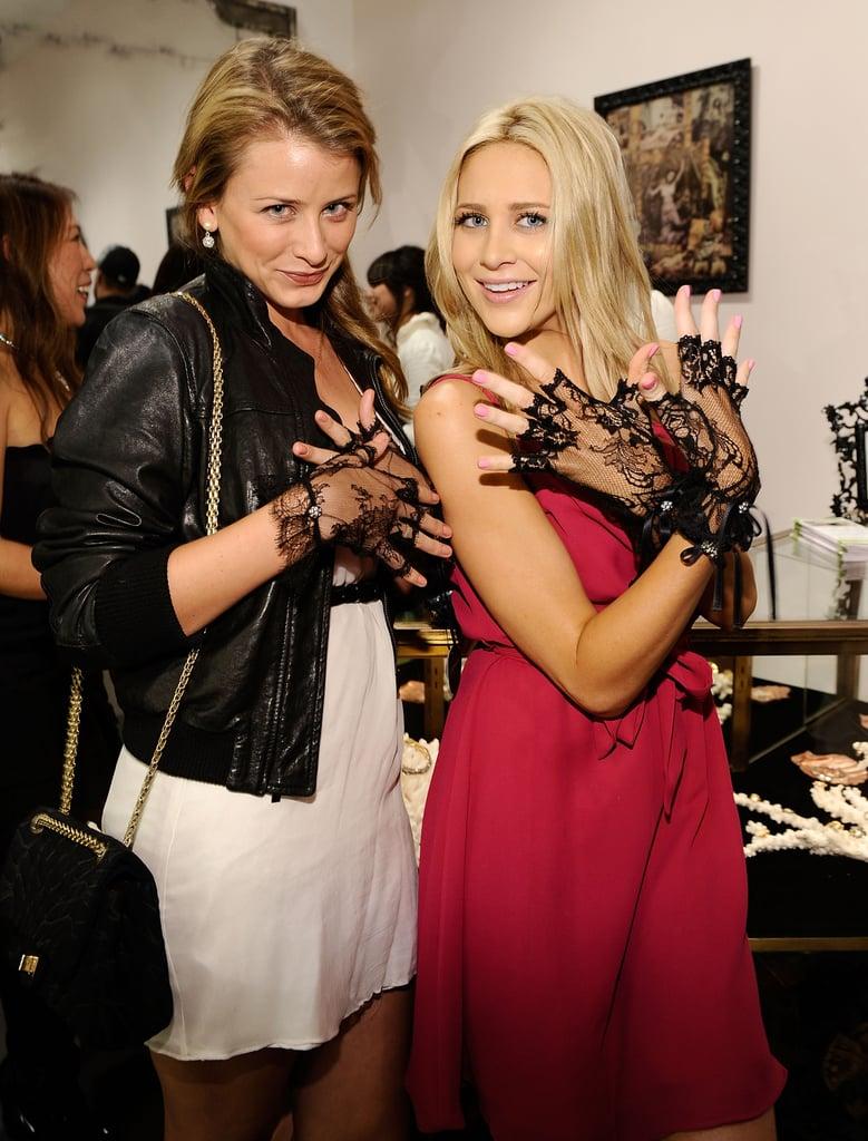 Lo Bosworth and Stephanie Pratt got glove-y in LA in November 2009.