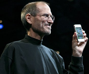iPhone 4 Preorder Sells 600,000 in First Day