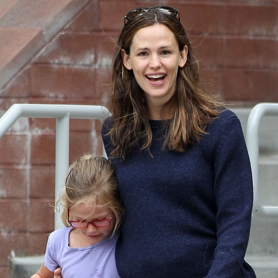 Jennifer Garner Smiling With Violet | Photos