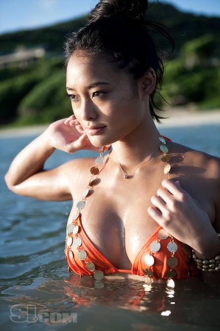 Model of the Week: Jarah Mariano