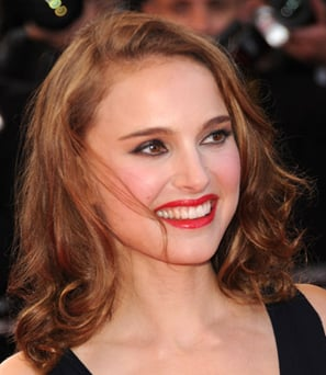 Natalie Portman red lipstick