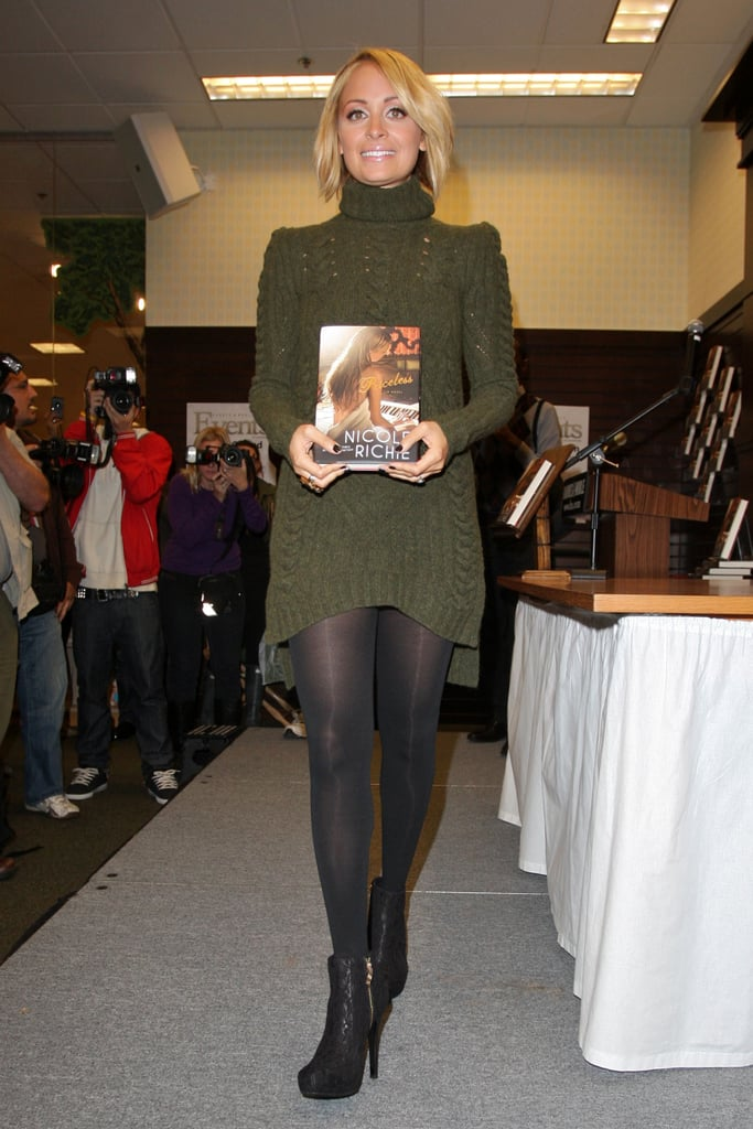 Pictures of Nicole Richie Signing Books