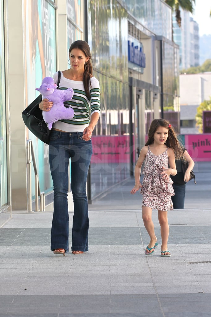 Katie Holmes and Suri cruise head home after shopping.
