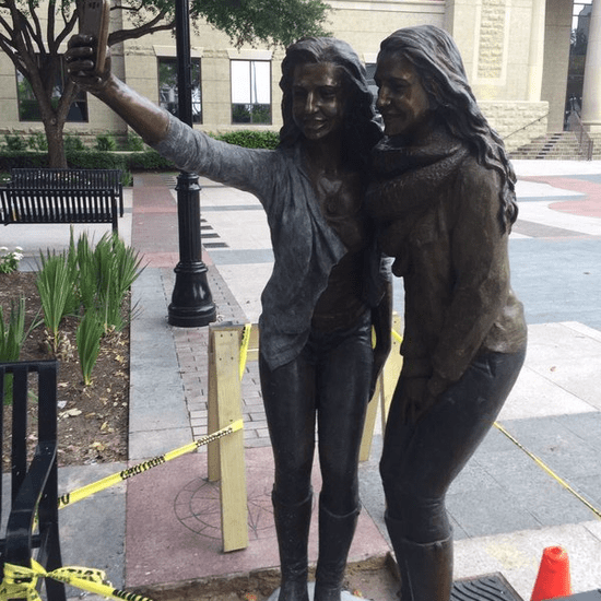 Selfie Statue in Texas