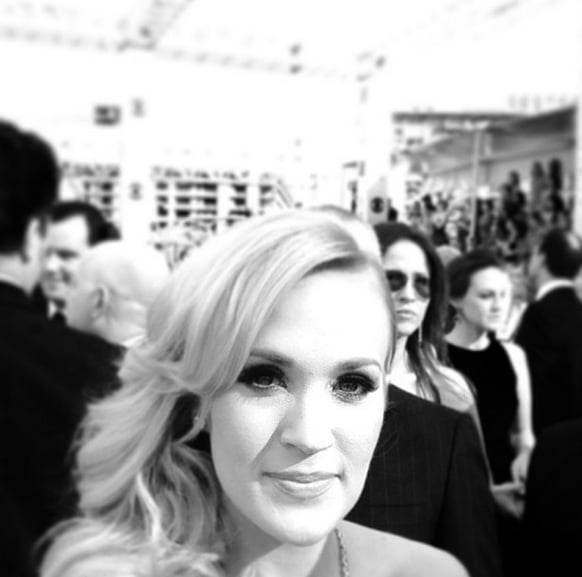 While her Romona Keveza gown was out of view, Carrie Underwood still looked lovely among the Emmys frenzy.  Source: Instagram user carrieunderwood