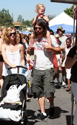 Dave Grohl and His Girls Hit the Farmers Market