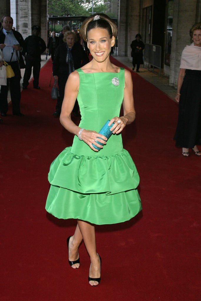 Sarah Jessica Parker had us green with envy when stepping onto the red carpet in this drop-waist Oscar de la Renta tea dress for the 2004 Lincoln Center Ballet Gala.
