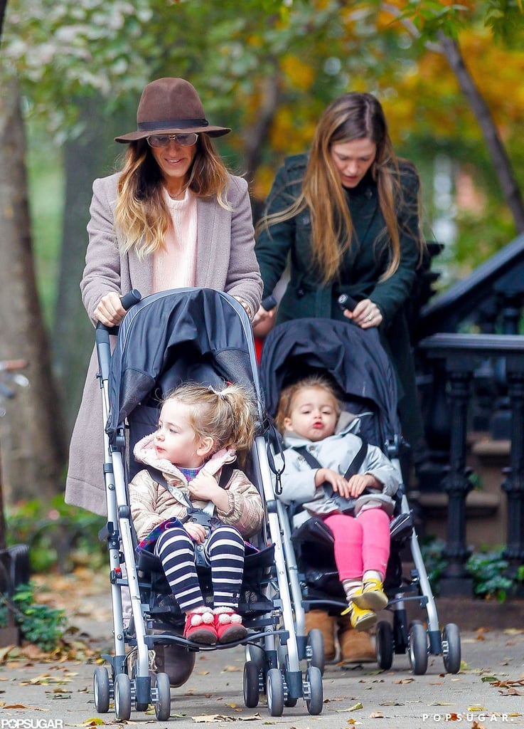 Sarah Jessica Parker stayed warm during a Fall day with Tabitha Broderick and Loretta Broderick.