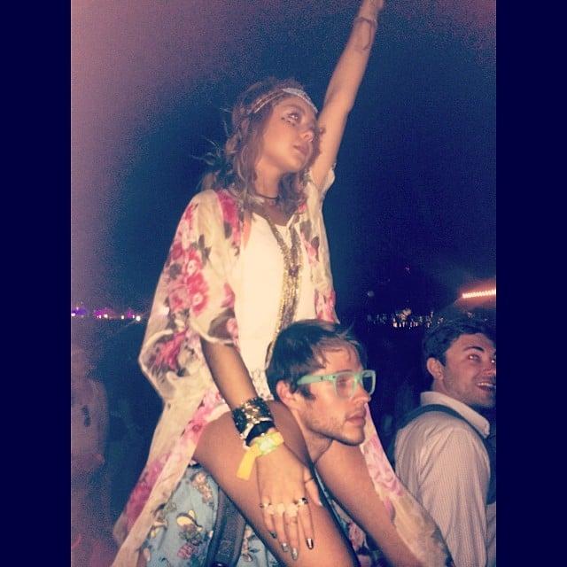 Sarah Hyland rode on boyfriend Matt Prokop's shoulders at Coachella. Source: Instagram user therealsarahhyland