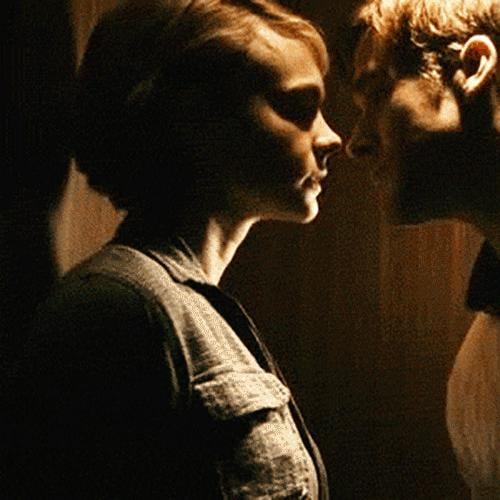 Kissing GIFs