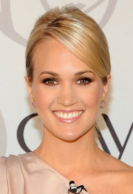 Beauty Byte: Carrie Underwood Named the New Face of Olay!