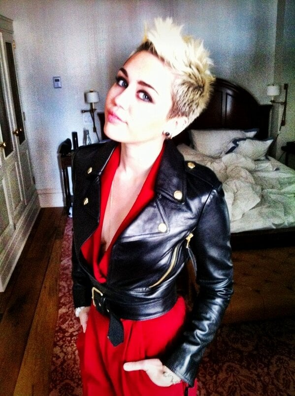 Miley Cyrus tweeted her rocker look before heading to a runway show in NYC.  Source: Twitter user MileyCyrus