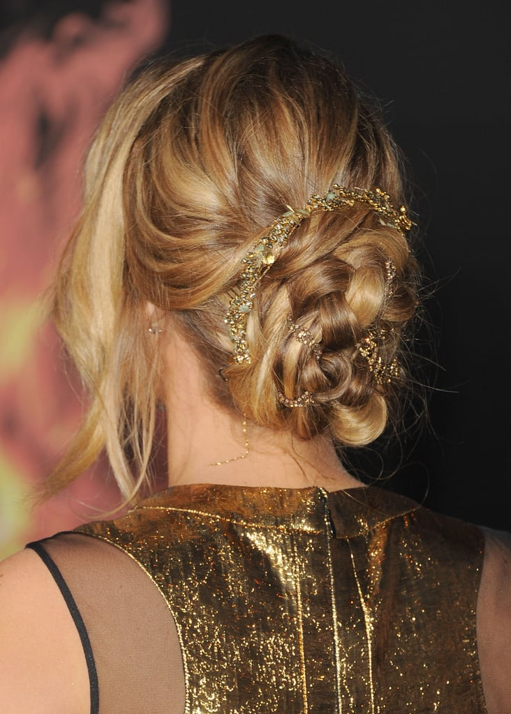 Jennifer accessorized her braided bun with a hint of gold.