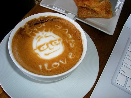 Steve Jobs' Face Appears In Latte?