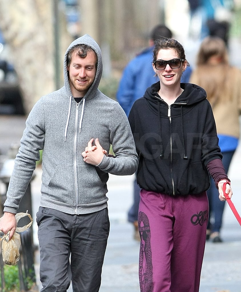 Anne Hathaway Boyfriend: Pictures Of Anne Hathaway And Her Boyfriend, Adam Shulman