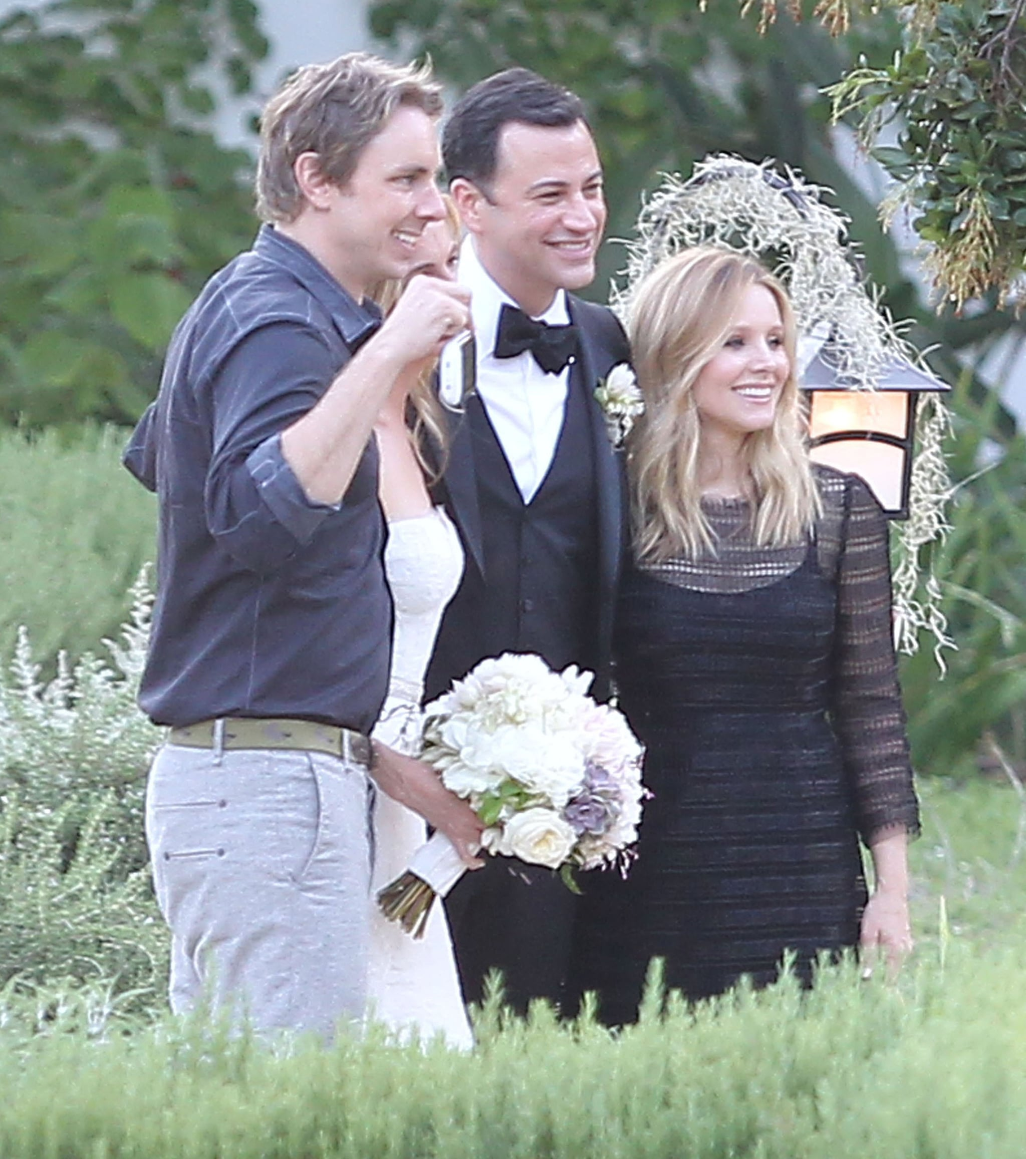 Kristen bell and dax shepard posed with jimmy kimmel at for Dax shepard and kristen bell wedding