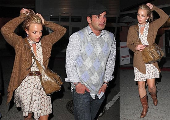 Britney Out to Dinner in LA with Brother Bryan, Lynn and Jamie Spears