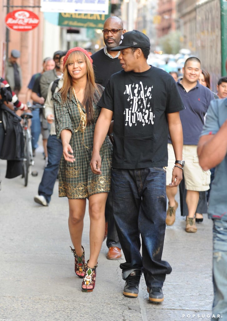 Jay-Z and Beyoncé strolled the streets of NYC in April 2009.