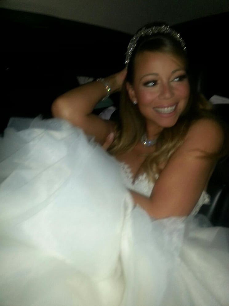 Mariah Carey prepared to arrive at Disneyland to renew her vows with Nick Cannon. Source: Twitter user MariahCarey