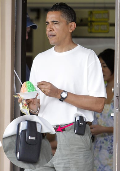 Obama Hides His BlackBerry in a Cell Phone Holster
